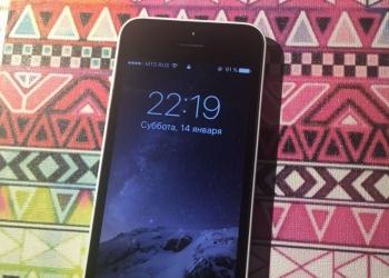 Продаю iPhone 5c 16gb белый