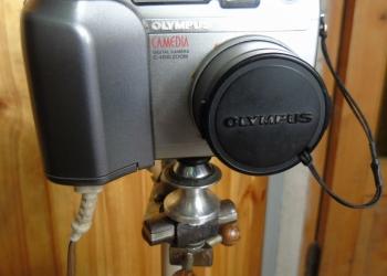 Цифровой Olympus c-4000, 4-x zoom.