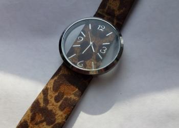 Наручные женские фэшн часы