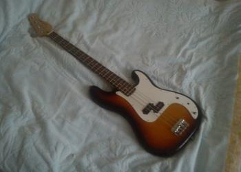 Электро-бас-гитара