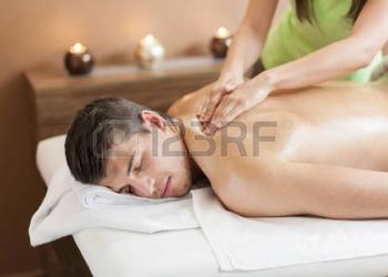 Работа массажисткой в Москве