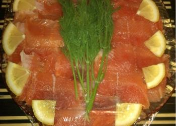 рыбная нарезка из форели