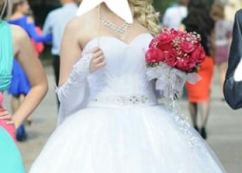 Свадебное- кружева платье!