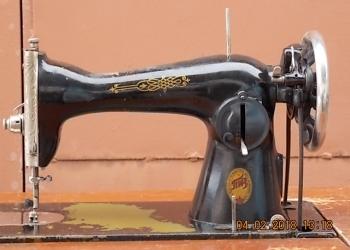 Швейная машинка с ножным приводом