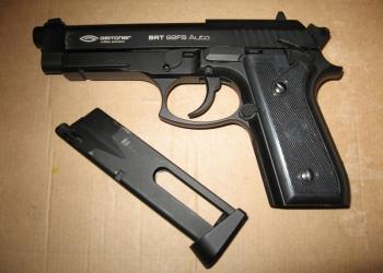 Пневматический пистолет Gletcher BRT 92FS auto (комплект, в коробке)