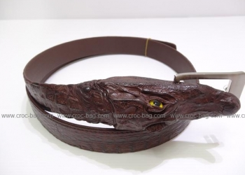 Продажа экзотических изделий из кожи крокодила