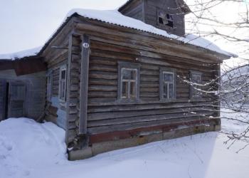 дом в деревне,рядом с рекой Волга
