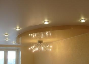 Натяжные потолки. Ванная + светильники в подарок.