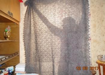 Пуховый платок-паутинка ручного изготовления