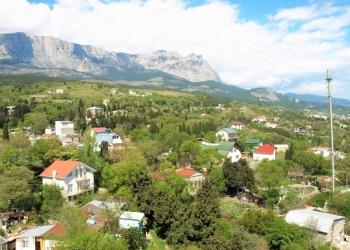 Сдается 2-к квартира в Крыму с видом на море и горы