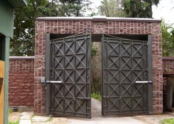 Ворота всех видов, шлагбаумы, рольставни.