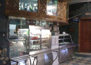кафе-ресторан - двухэтажное отдельно стоящее здани