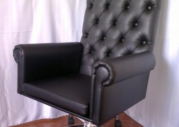 Кресло руководителя в каретной стяжке