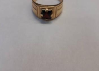 Золотое кольцо с гранатом 585 проба