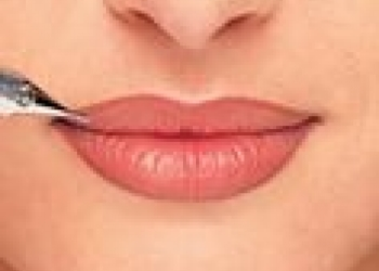 Перманентный макияж губ и бровей
