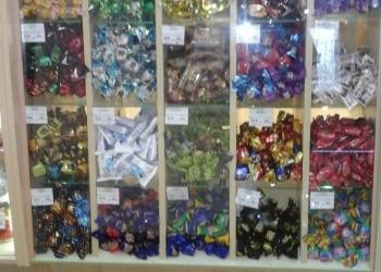 Конфетные стеклянные шкафы