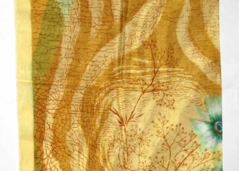 Платок из натурального шелка новый