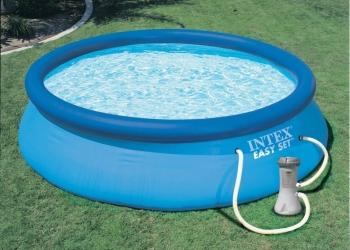 Надувной бассейн. Бассейн для дачи.
