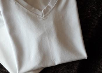 Новые белые футболки