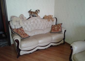 Кожаный диван и кресла