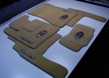 Автомобильные коврики от производителя.