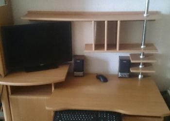 Продам компьютерный стол с доп.полками.