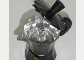 Итальянская гейзерная кофеварка престижный и полезный подарок