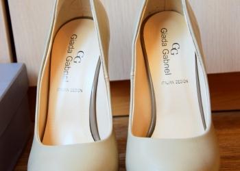 Туфли на высоком каблуке. Новые