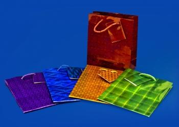 Бумажные пакеты оптом приобретайте в «Упакмаркет»