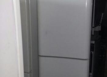 Продам двухкамерный холодильник Indesit
