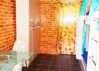 Комната в хостеле и койко-место в 9-к 190 м2, 1/5 эт.
