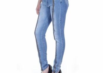 Женская джинсовая одежда оптом