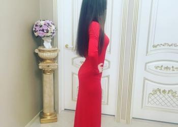 красное  длинное платье