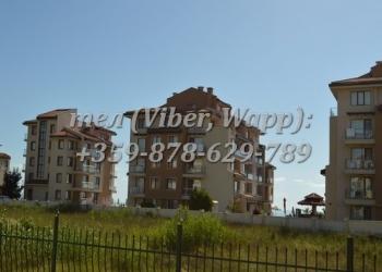 Полностью мебелированная трехкомнатная квартира в  Oбзорe в 30 м. от пляжа