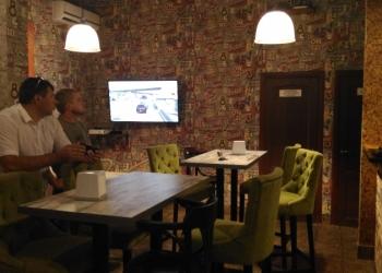 Прибыльный бар с европейской и азиатской кухней