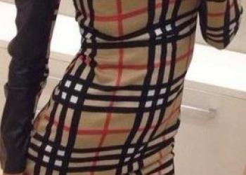 Платье Burberry с кожаным рукавом