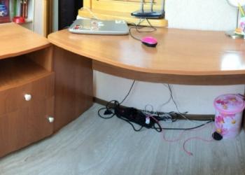 Продам письменный-компьютерный стол