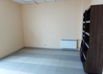 Продажа торговых площадей 161.6 кв. м  на  1 этаже в ТЦ на ул. Веденяпина