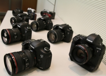 Nikon D500 , Canon EOS 70D - 2 Years warranty