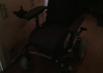 Продам инвалидную коляску с электроприводом,новая.