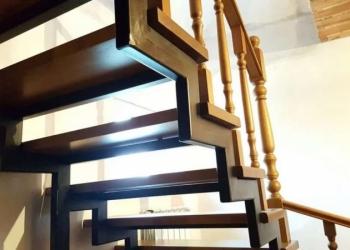 Производство металлокаркасных лестниц