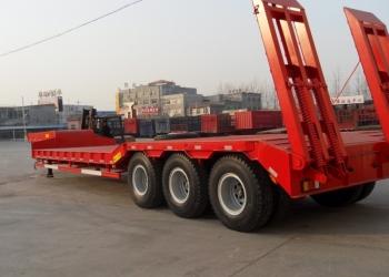 Продам низкорамный трал 80 тонн  3 оси