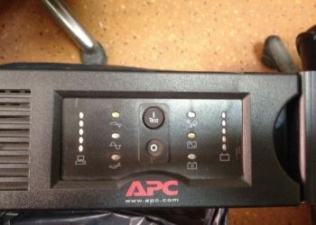 APC by Schneider Electric Smart-UPS 2200VA USB