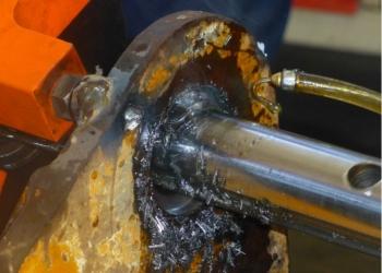 Расточка отверстий. Ремонт стрел, ковшей экскаваторов и другой спецтехники.