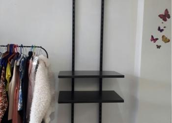 Продам витрина+стелажи для одежды пр-во Швеция