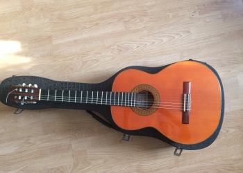 Продаю классическую гитару мастера Игнатено