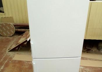 Новый холодильник INDESIT EF16