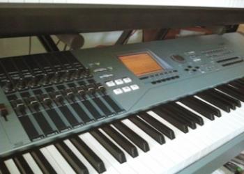 Yamaha Motif XS8 -синтезатор-рабочая станция, новый