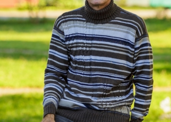 Продаю мужской свитер
