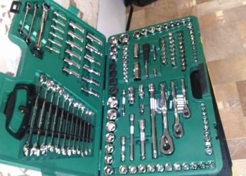 """Универсальный набор ключей """"SATA"""" 150 пр.в кейсе."""
